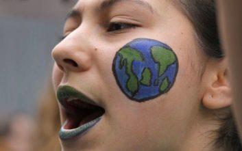 Οι μαθητές βγαίνουν στους δρόμους για το κλίμα