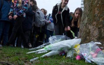 Μεσίστιες οι σημαίες στην Ολλανδία, η αστυνομία αναζητά τα κίνητρα του δράστη