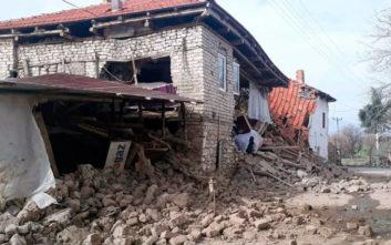 Γυναίκα πήδηξε από το μπαλκόνι την ώρα του σεισμού στην Τουρκία
