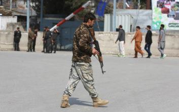 Τουλάχιστον έξι άνθρωποι σκοτώθηκαν από εκρήξεις στην Καμπούλ
