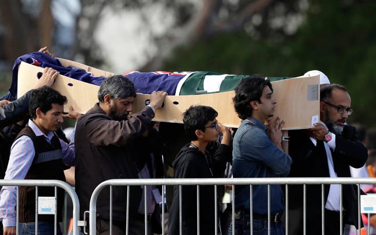 Επαναπατρίζονται οι σοροί των θυμάτων του μακελειού στη Νέα Ζηλανδία