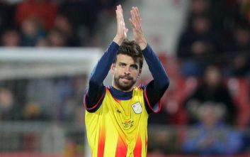Καταλανοί οπαδοί έβριζαν χυδαία την Ισπανία και ο Πικέ τους προέτρεψε να σταματήσουν