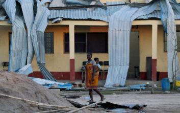 Εκατοντάδες νεκροί σε τρεις χώρες από τον καταστροφικό κυκλώνα Ιντάι