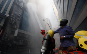 Συνελήφθησαν οι ιδιοκτήτες του κτιρίου που κάηκε στο Μπανγκλαντές