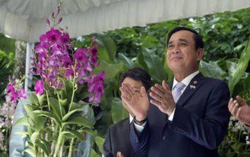 Ο ηγέτης της χούντας στην Ταϊλάνδη ξαναχτυπά με νέο άσμα