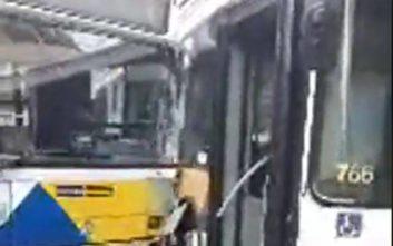 Σύγκρουση δύο λεωφορείων με τραυματίες στο Αιγάλεω