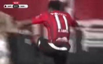 Πανηγύρισε το γκολ του και… έπεσε στο κενό