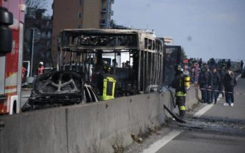 Οδηγός έβαλε φωτιά σε λεωφορείο με δεκάδες μαθητές