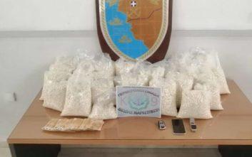 Βρέθηκαν εκατοντάδες χιλιάδες ναρκωτικά χάπια σε φιάλη υγραερίου