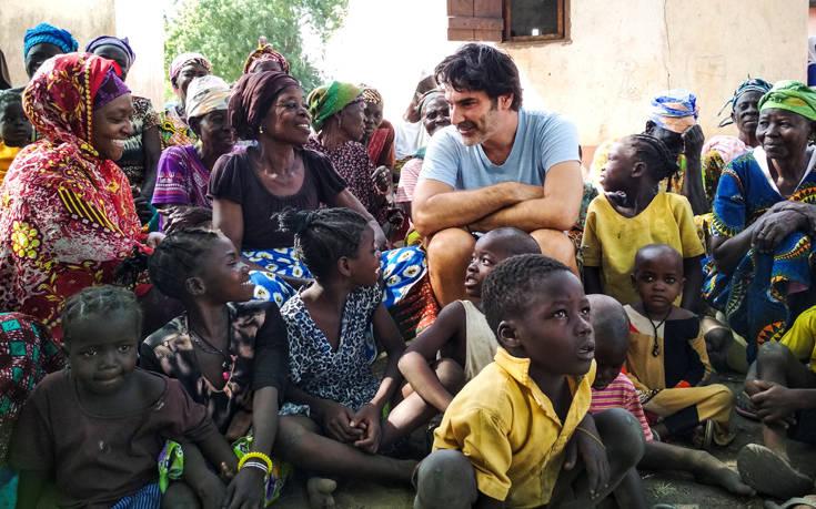 «Ένας Κόσμος»,η – χωρίς σενάριο – ταινία του Χριστόφορου Παπακαλιάτη για την ActionAid