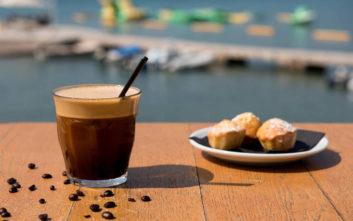 Πού να πιείτε καφέ με θέα θάλασσα