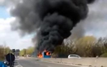 «Ήσυχος άνδρας, αλλά μόνος» ο οδηγός που πυρπόλησε λεωφορείο με μαθητές