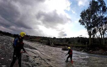 Εικόνες από εκπαίδευση διάσωσης σε ορμητικά νερά στα Χανιά