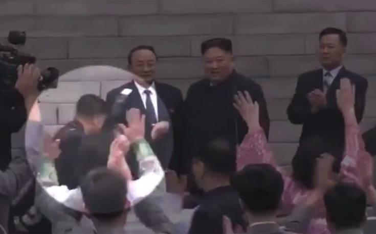 Ο απίθανος λόγος για τον οποίο ο Κιμ Γιονγκ Ουν απέλυσε τον φωτογράφο του