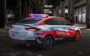 Το Hyundai i30 Fastback N αυτοκίνητο ασφαλείας στα Superbikes