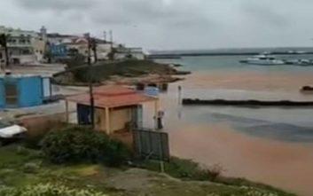 Βίντεο από τις καταστροφές που προκάλεσε η κακοκαιρία σε Κάσο και Κάρπαθο