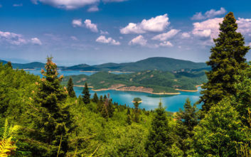 Ανοιξιάτικες εξορμήσεις σε τέσσερις υπέροχες λίμνες