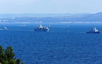 Ο τουρκικός στόλος «παρέλασε» στα Δαρδανέλια