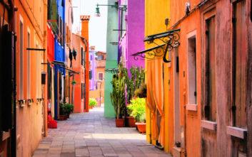 Πώς μας επηρεάζει το χρώμα όταν ταξιδεύουμε