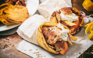 Πειραιάς: Κατασχέθηκαν 250 κιλά γύρου κοτόπουλου με σαλμονέλα