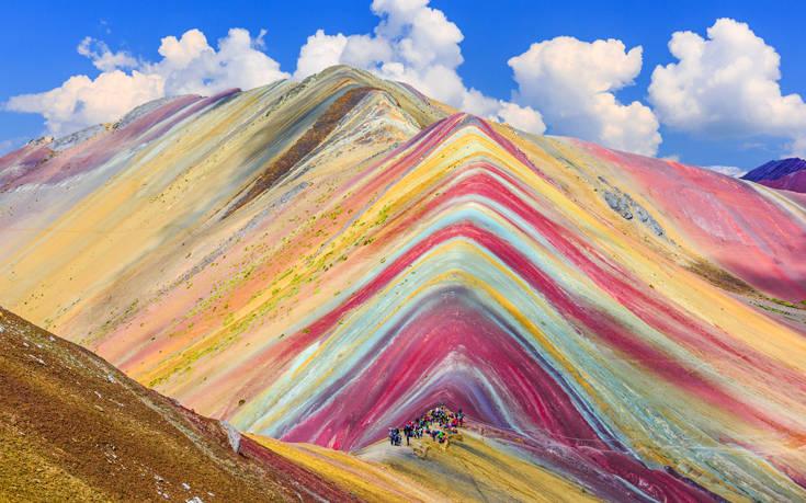 Το πιο πολύχρωμο βουνό στον κόσμο βρίσκεται στο Περού