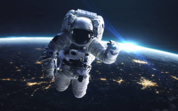 Eau de Space: Η NASA έκλεισε σε ένα μπουκάλι τη μυρωδιά του διαστήματος