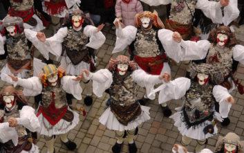 Εντυπωσιακά στιγμιότυπα από το πιο παραδοσιακό καρναβάλι της Ελλάδας