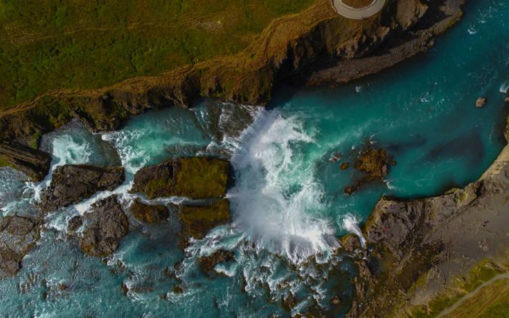 Ο καταρράκτης των θεών στην Ισλανδία – Newsbeast