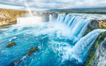 Ο καταρράκτης των θεών στην Ισλανδία