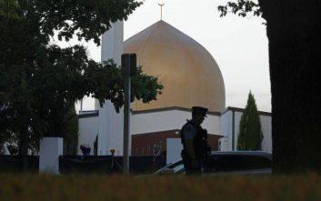 Πιστοί και από το εξωτερικό στην προσευχή της Παρασκευής στο τέμενος Αλ Νουρ της Νέας Ζηλανδίας