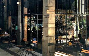 Όμορφα στέκια για καφέ σε πεζόδρομους της πόλης