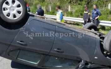 Τροχαίο με ανατροπή αυτοκινήτου στην εθνική οδό Αθηνών-Λαμίας