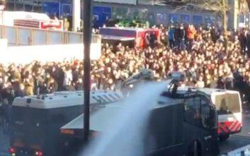Χαμός στο Άμστερνταμ πριν το Άγιαξ-Γιουβέντους με περισσότερες από 140 συλλήψεις οπαδών