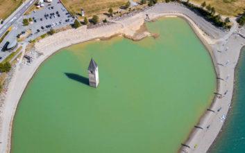 Το μυστικό που κρύβεται κάτω από την λίμνη Resia στην Ιταλία