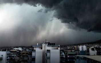 Έκτακτο δελτίο καιρού: Καταιγίδες και χαλάζι στην Αττική