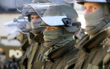 Αυστριακός υπουργός ανακαλεί διάταξη για χαλαρή αντιμετώπιση των ακροδεξιών στον στρατό