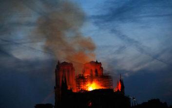 Κρίσιμη η επόμενη ώρα για την Παναγία των Παρισίων, κίνδυνος για ολοκληρωτική καταστροφή