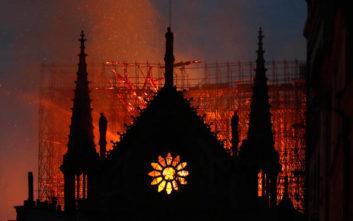 Παναγία των Παρισίων: Η ηρωική προσπάθεια 20 πυροσβεστών που έσωσαν σε μισή ώρα τον ναό
