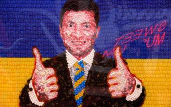 Ο κωμικός που έχει «αναστατώσει» την πολιτική ζωή της Ουκρανίας