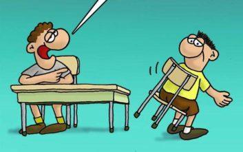 Το σατιρικό σκίτσο του Αρκά για το... κόλλημα με την καρέκλα
