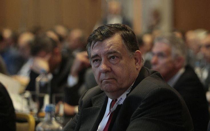 Ο Γιώργος Καρατζαφέρης αποχωρεί από την ηγεσία του ΛΑΟΣ