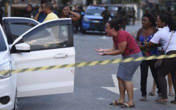 Στρατιωτικοί γάζωσαν με 80 σφαίρες αυτοκίνητο με πενταμελή οικογένεια
