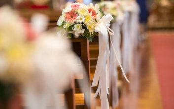 Καλεσμένη σε γάμο έκλεψε τα φακελάκια κι έκρυψε τα χρήματα στο εσώρουχό της