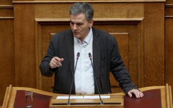 Τσακαλώτος: Αν ο κ. Μητσοτάκης θέλει «Τσιόδρα της οικονομίας» καλά θα κάνει να σταματήσει να εφαρμόζει ανοσία της αγέλης σε αυτήν