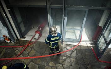 Φωτιά στο ΑΠΘ: Εγκλωβισμοί, αναπνευστικά προβλήματα και μία 28χρονη προληπτικά στο νοσοκομείο