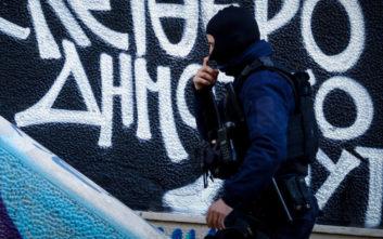 Συλλήψεις στην πλατεία Εξαρχείων για κατοχή και διακίνηση ναρκωτικών
