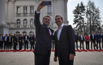 Η θερμή υποδοχή του Ζάεφ στον Τσίπρα και η σέλφι των δύο πρωθυπουργών