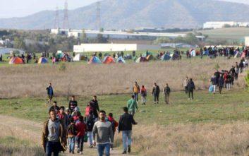Πρόσφυγες χτύπησαν το κουδούνι σε σπίτι αστυνομικών… για να συλληφθούν