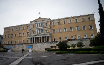 Spiegel: Εξαιρετικά χαμηλά επίπεδα δανεισμού της Ελλάδας