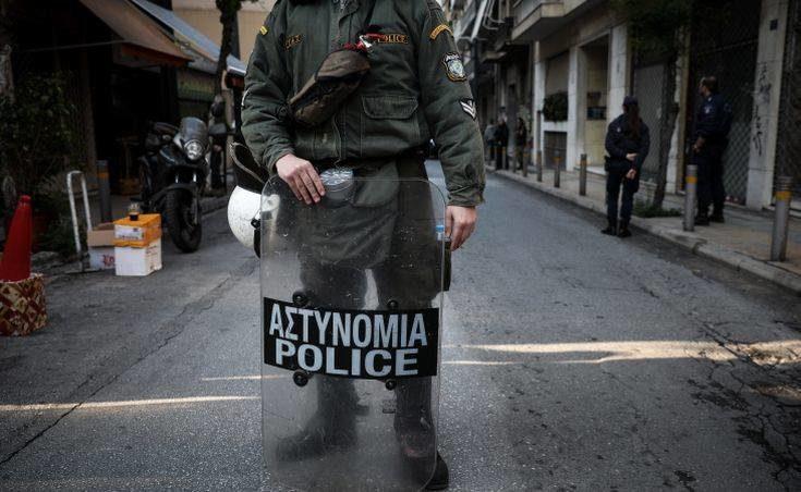 Αστυνομική επιχείρηση στα Εξάρχεια: Γνωστός στην ΕΛ.ΑΣ. για υποθέσεις ναρκωτικών ο συλληφθείς